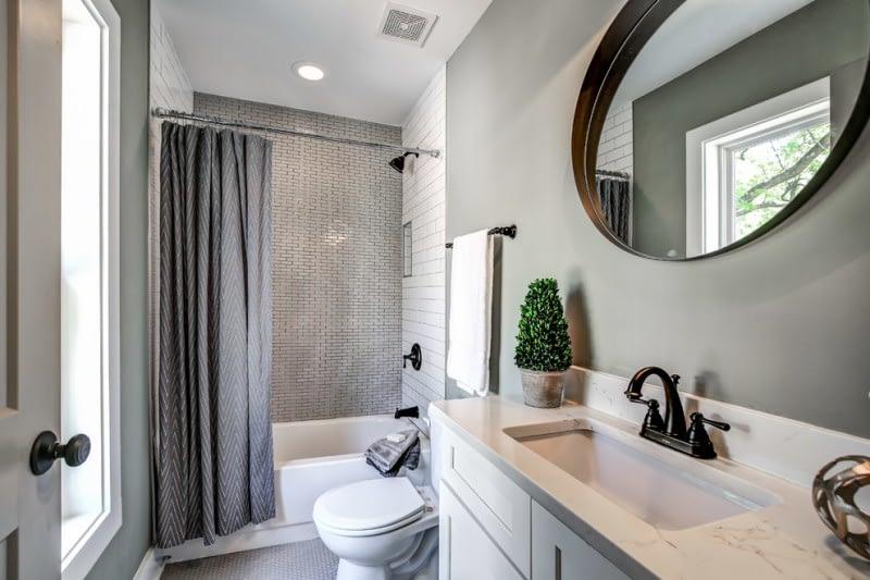 Residential Bathroom Cleaning